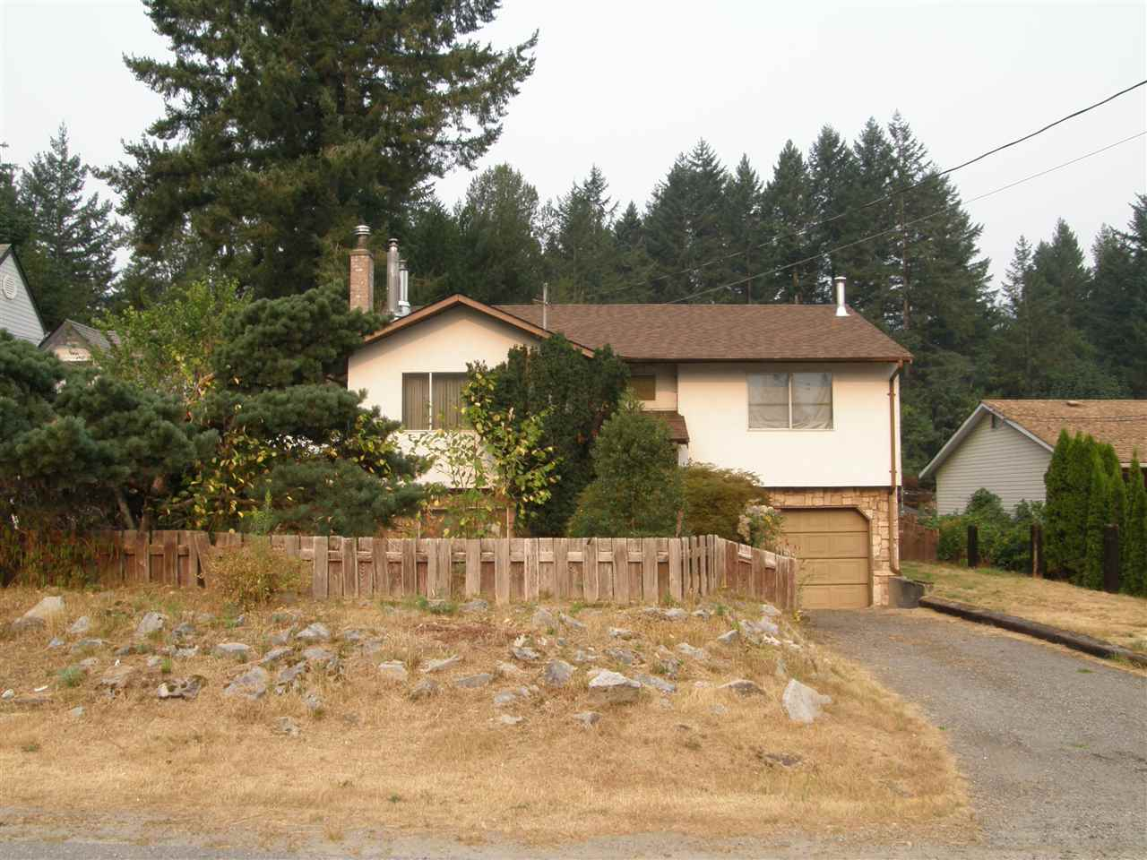 Detached at 21111 LAKEVIEW CRESCENT, Hope, British Columbia. Image 1