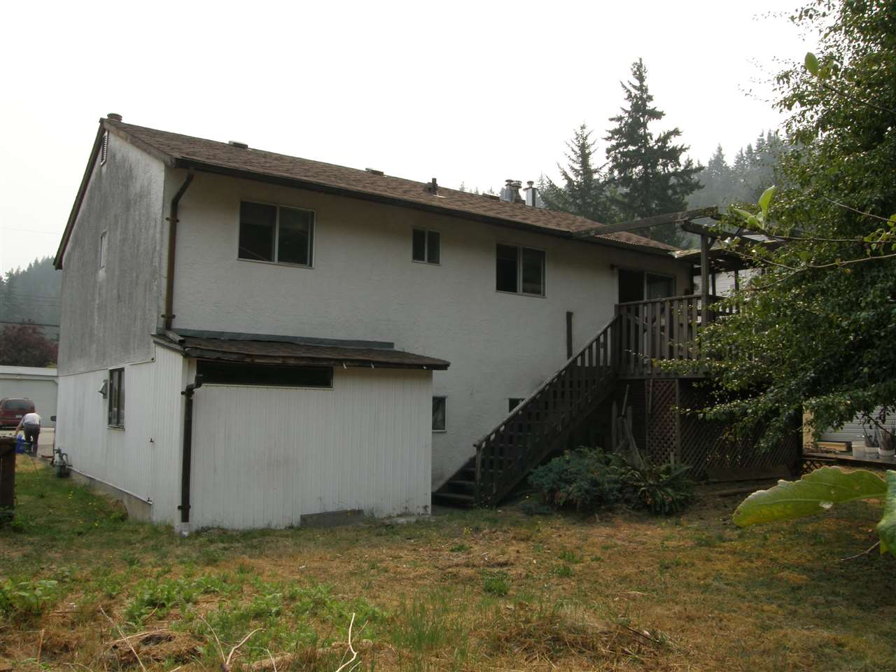 Detached at 21111 LAKEVIEW CRESCENT, Hope, British Columbia. Image 16