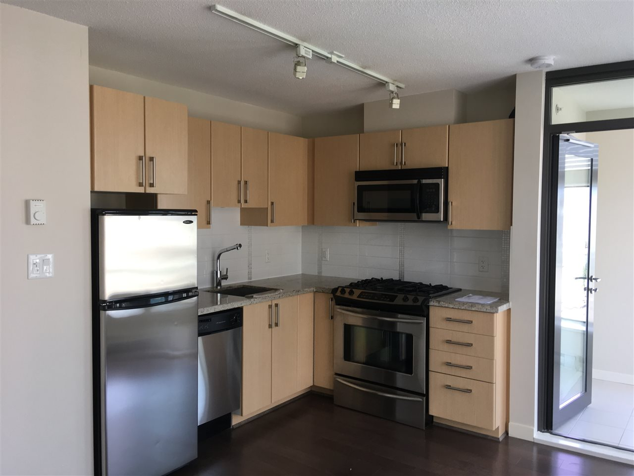 Condo Apartment at 1009 1068 W BROADWAY, Unit 1009, Vancouver West, British Columbia. Image 4