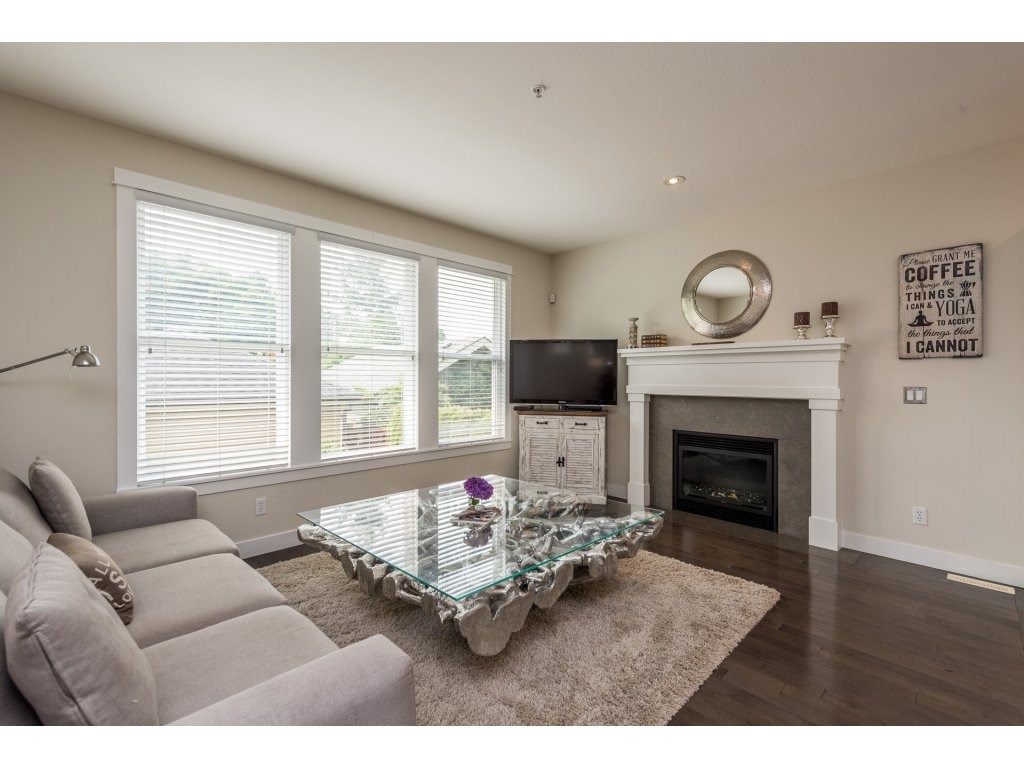 Detached at 22906 BILLY BROWN ROAD, Langley, British Columbia. Image 5