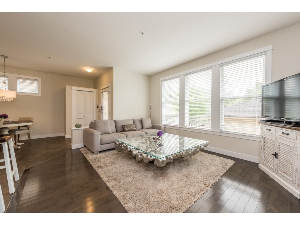 Detached at 22906 BILLY BROWN ROAD, Langley, British Columbia. Image 6