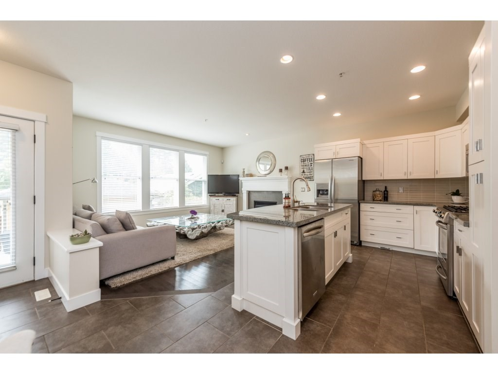 Detached at 22906 BILLY BROWN ROAD, Langley, British Columbia. Image 10