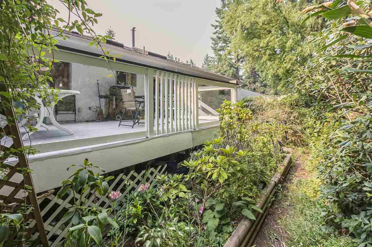 Detached at 1972 HYANNIS DRIVE, North Vancouver, British Columbia. Image 11