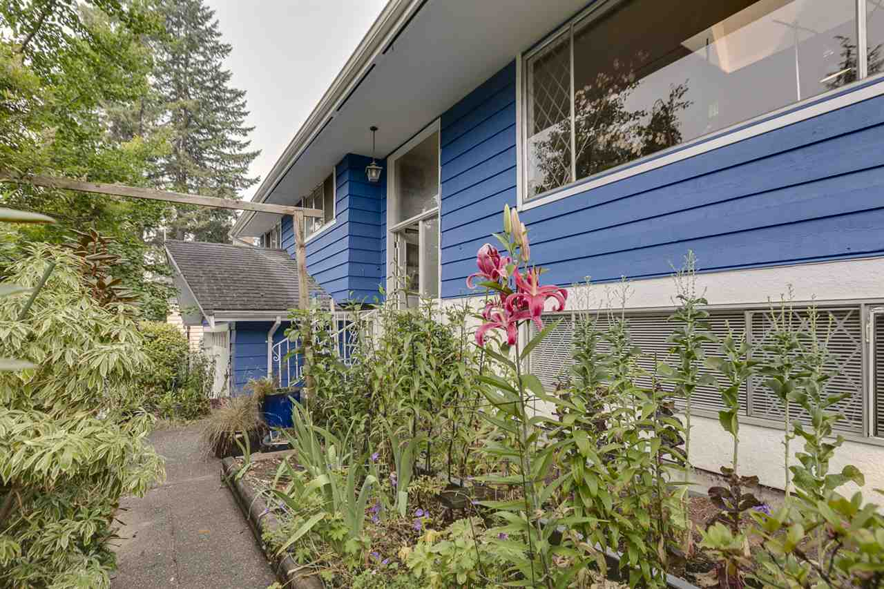 Detached at 1972 HYANNIS DRIVE, North Vancouver, British Columbia. Image 12