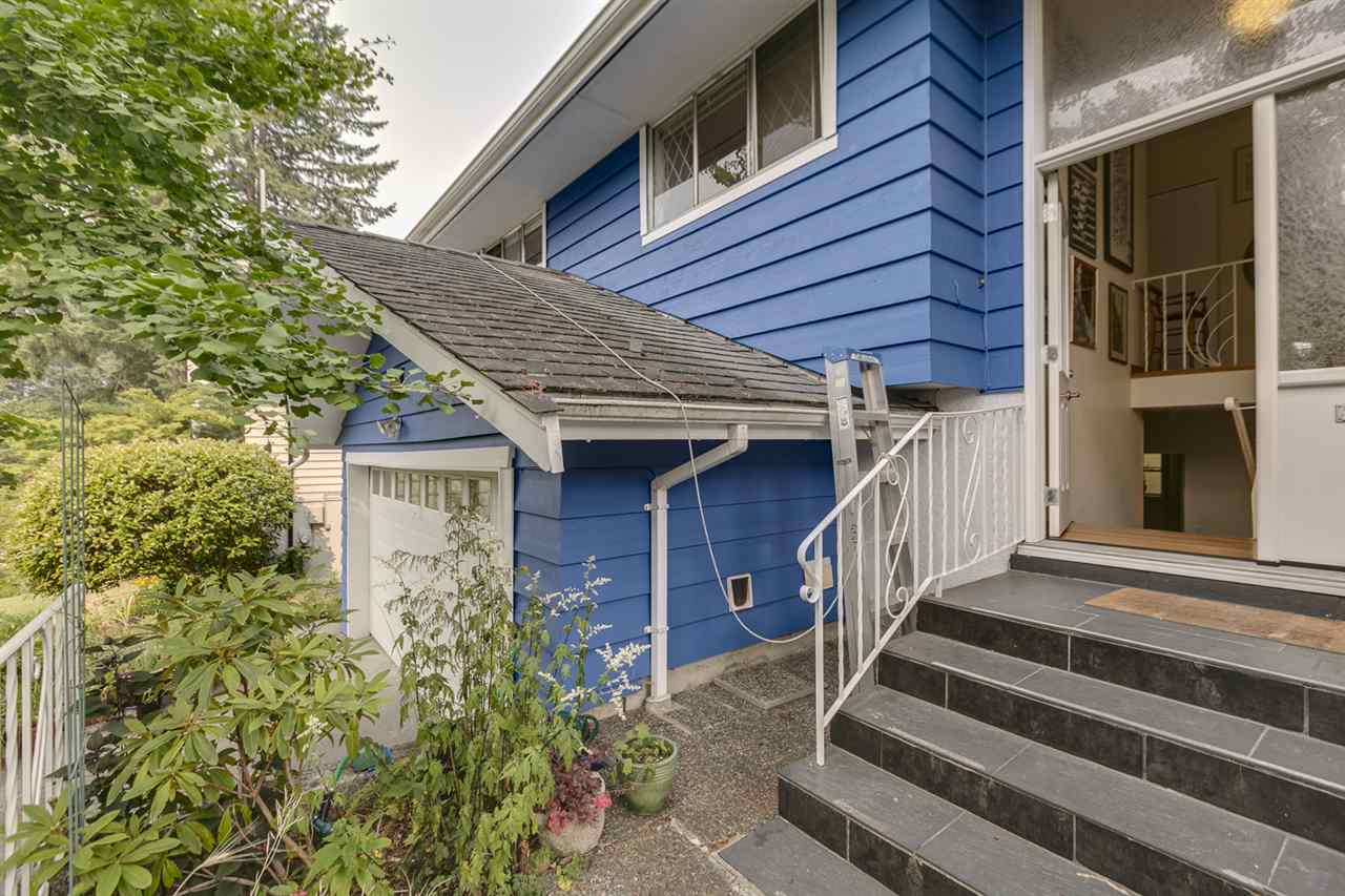 Detached at 1972 HYANNIS DRIVE, North Vancouver, British Columbia. Image 15