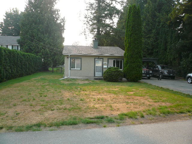 Detached at 33683 WILDWOOD DRIVE, Abbotsford, British Columbia. Image 3