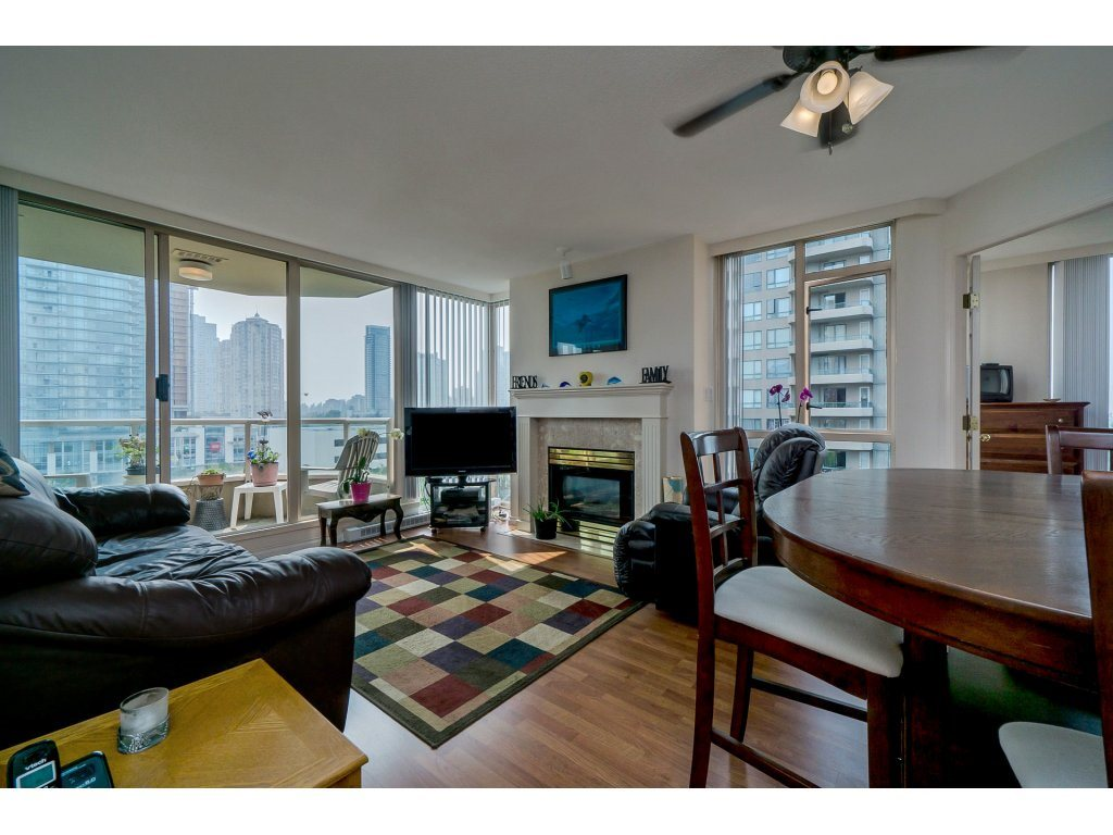 Condo Apartment at 805 4657 HAZEL STREET, Unit 805, Burnaby South, British Columbia. Image 5