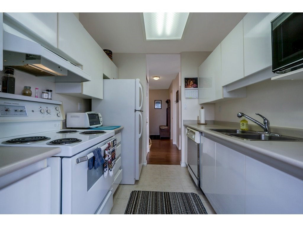 Condo Apartment at 805 4657 HAZEL STREET, Unit 805, Burnaby South, British Columbia. Image 11