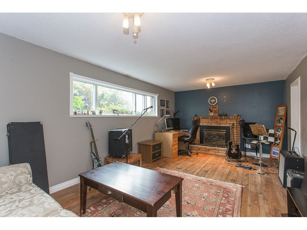 Detached at 34476 PENNER AVENUE, Mission, British Columbia. Image 12