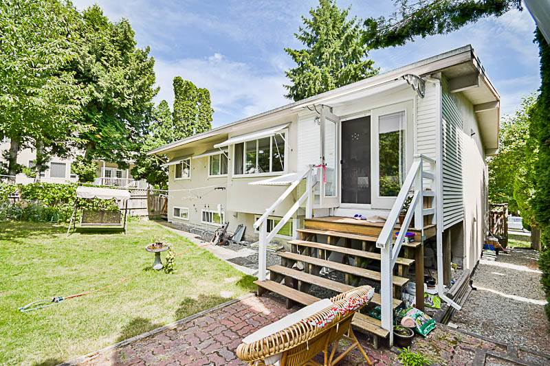 Detached at 7249 MCKAY AVENUE, Burnaby South, British Columbia. Image 2