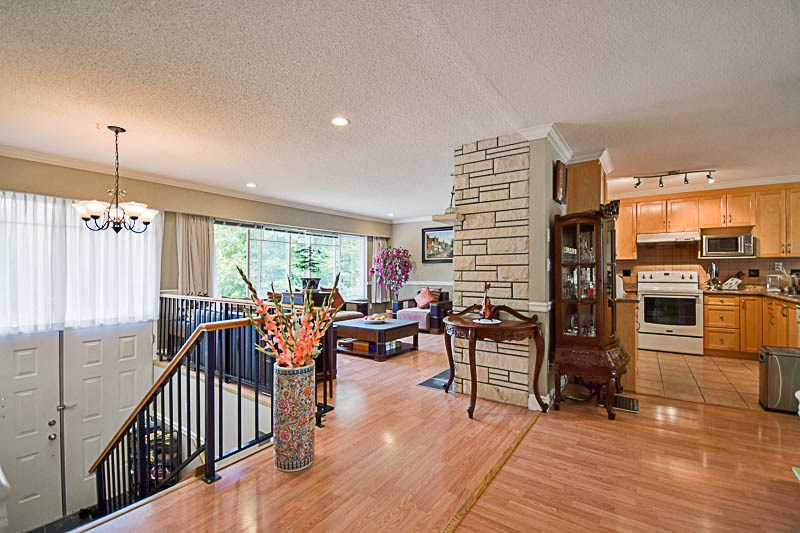 Detached at 7249 MCKAY AVENUE, Burnaby South, British Columbia. Image 5