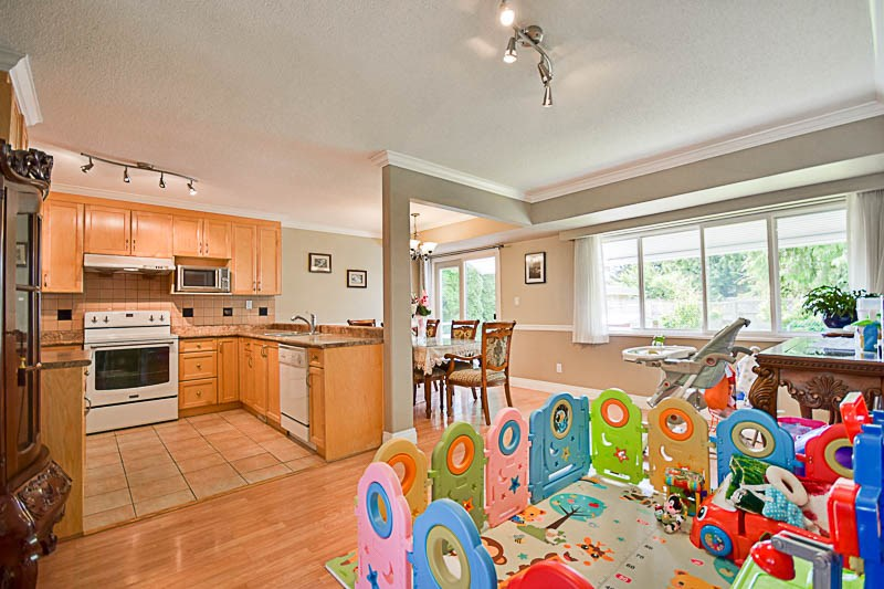 Detached at 7249 MCKAY AVENUE, Burnaby South, British Columbia. Image 6
