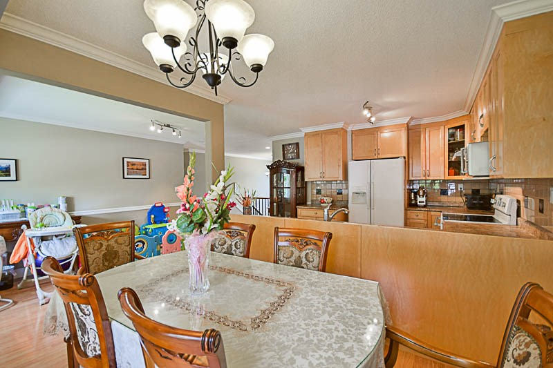 Detached at 7249 MCKAY AVENUE, Burnaby South, British Columbia. Image 8