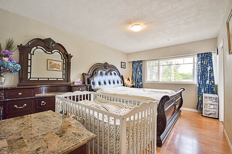 Detached at 7249 MCKAY AVENUE, Burnaby South, British Columbia. Image 10