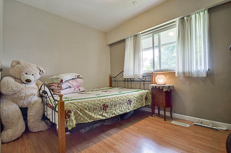 Detached at 7249 MCKAY AVENUE, Burnaby South, British Columbia. Image 13