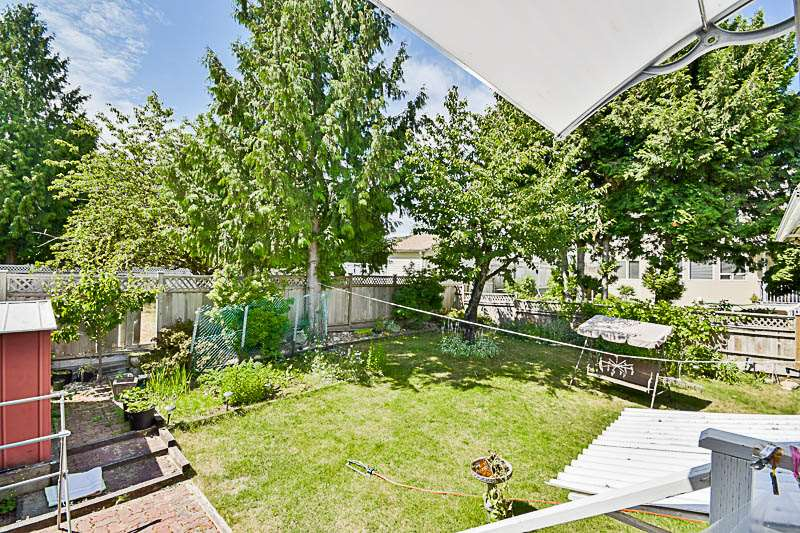 Detached at 7249 MCKAY AVENUE, Burnaby South, British Columbia. Image 19