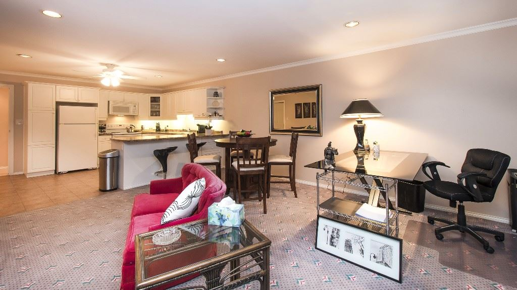 Detached at 642 SOUTHBOROUGH DRIVE, West Vancouver, British Columbia. Image 15