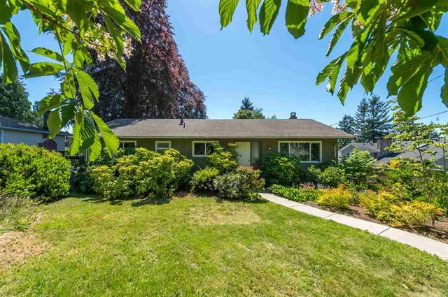 Detached at 245 E KINGS ROAD, North Vancouver, British Columbia. Image 1