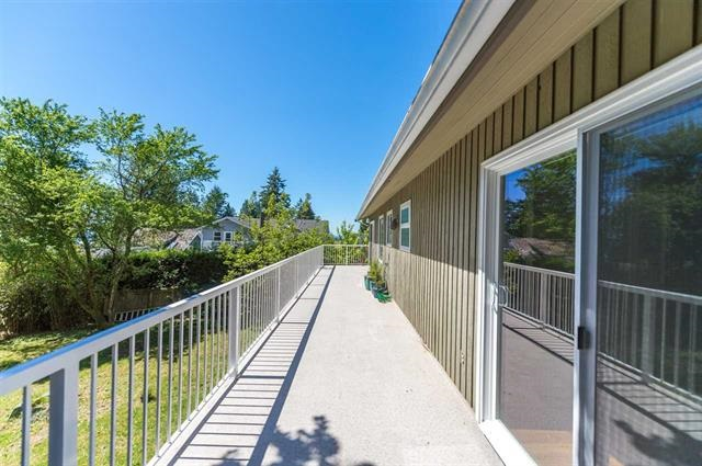 Detached at 245 E KINGS ROAD, North Vancouver, British Columbia. Image 13