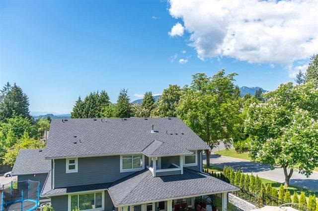 Detached at 245 E KINGS ROAD, North Vancouver, British Columbia. Image 18