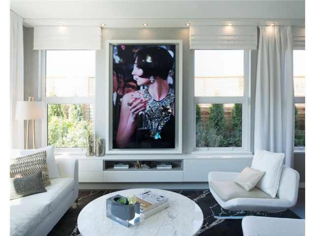 Condo Apartment at 601 9311 ALEXANDRA ROAD, Unit 601, Richmond, British Columbia. Image 1
