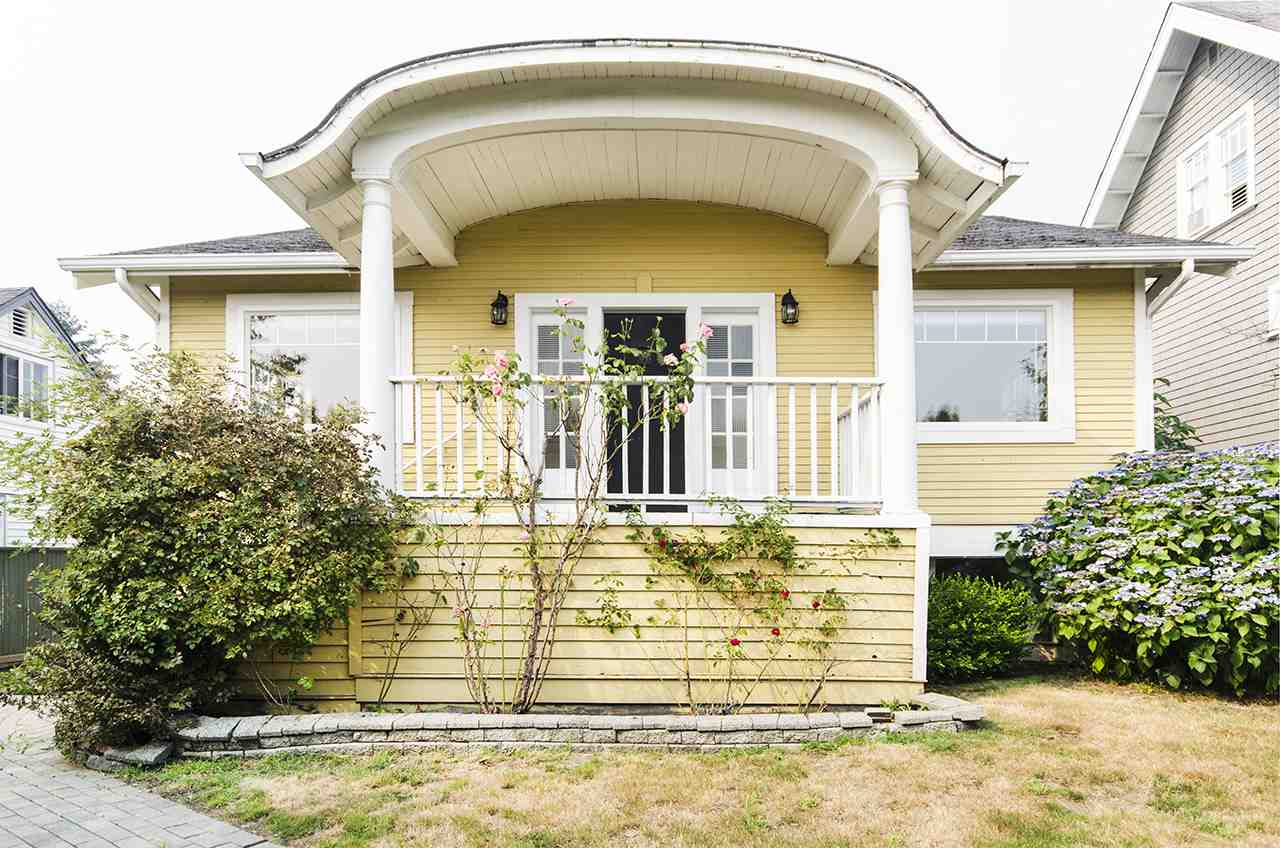 Detached at 328 W 25TH STREET, North Vancouver, British Columbia. Image 1