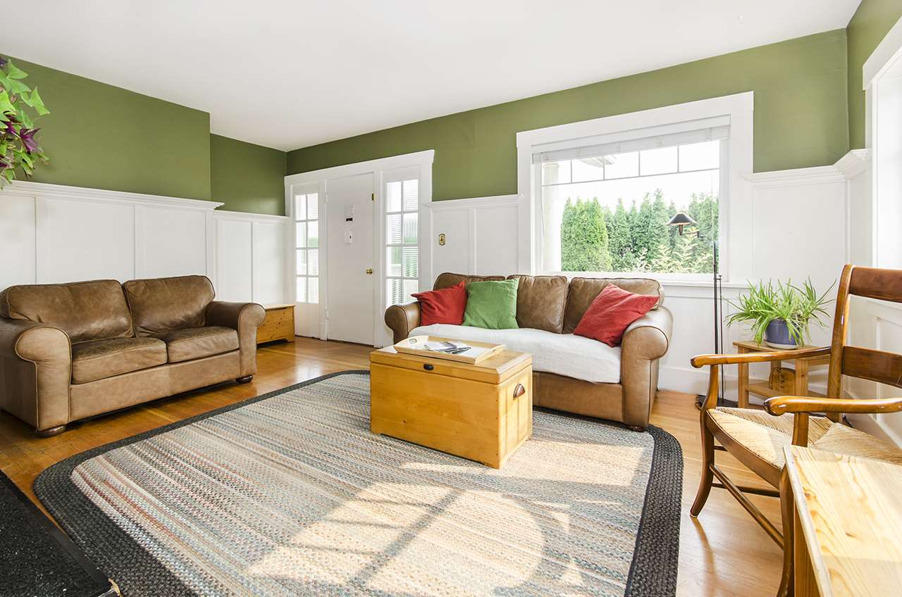 Detached at 328 W 25TH STREET, North Vancouver, British Columbia. Image 4