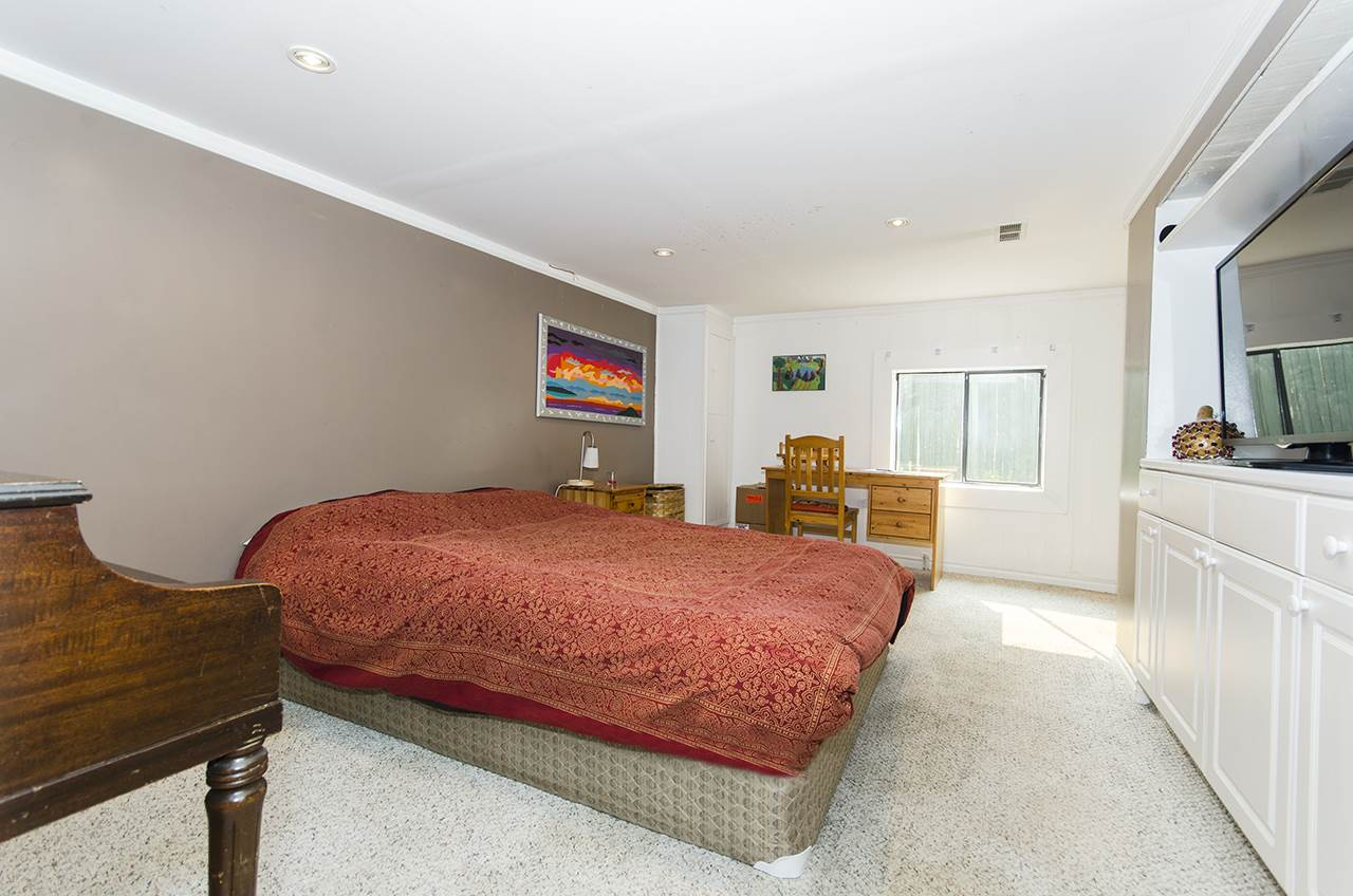 Detached at 328 W 25TH STREET, North Vancouver, British Columbia. Image 15