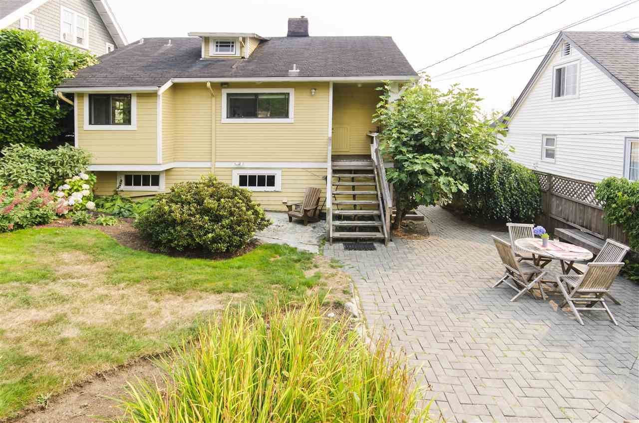Detached at 328 W 25TH STREET, North Vancouver, British Columbia. Image 16
