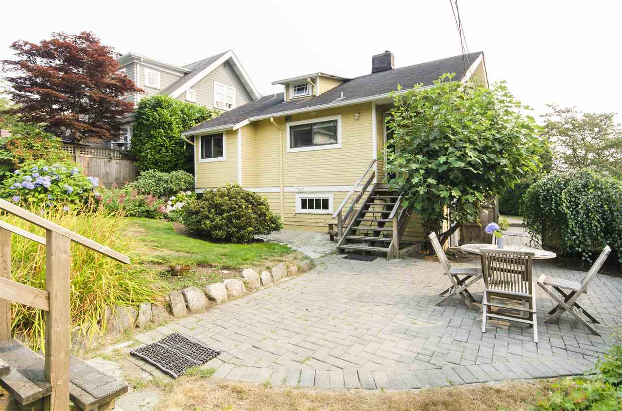 Detached at 328 W 25TH STREET, North Vancouver, British Columbia. Image 17