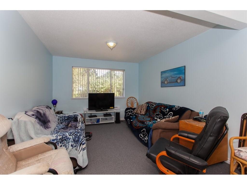Detached at 8646 216 STREET, Langley, British Columbia. Image 9