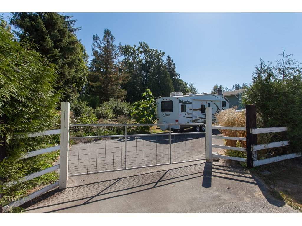 Detached at 8646 216 STREET, Langley, British Columbia. Image 17