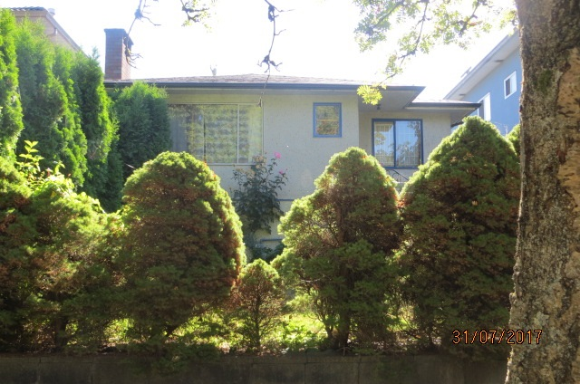 Detached at 4636 BEATRICE STREET, Vancouver East, British Columbia. Image 2