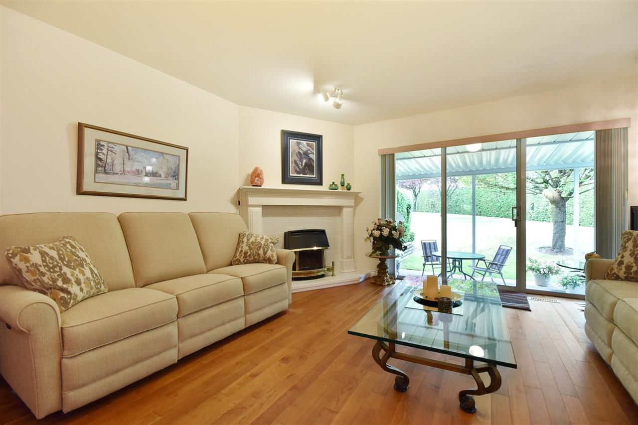 Townhouse at 25 2988 HORN STREET, Unit 25, Abbotsford, British Columbia. Image 4