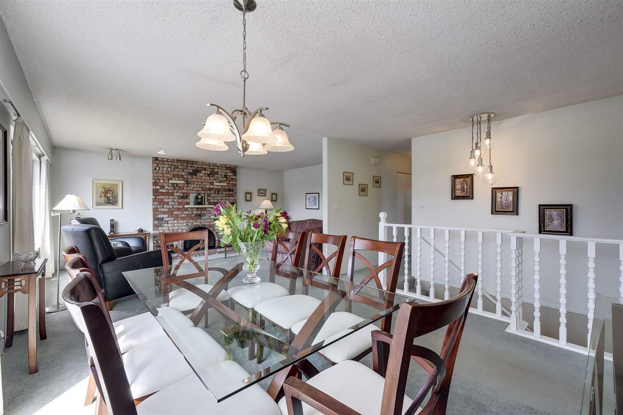 Detached at 5243 WALNUT PLACE, Ladner, British Columbia. Image 6