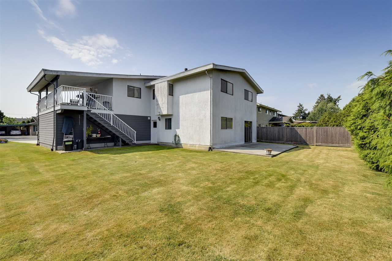 Detached at 5243 WALNUT PLACE, Ladner, British Columbia. Image 19