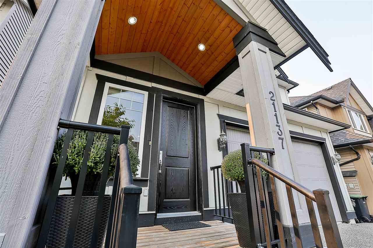 Detached at 21137 80A AVENUE, Langley, British Columbia. Image 3
