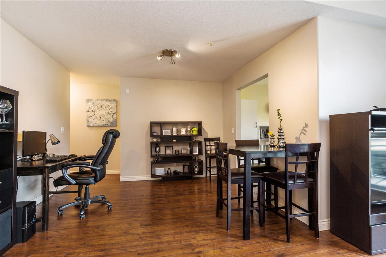 Condo Apartment at 402 20556 113 AVENUE, Unit 402, Maple Ridge, British Columbia. Image 4