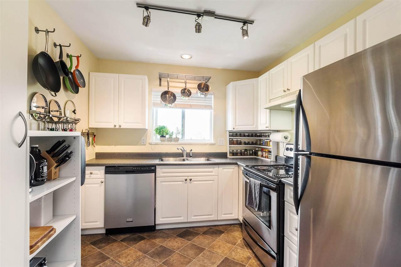 Condo Apartment at 402 20556 113 AVENUE, Unit 402, Maple Ridge, British Columbia. Image 5