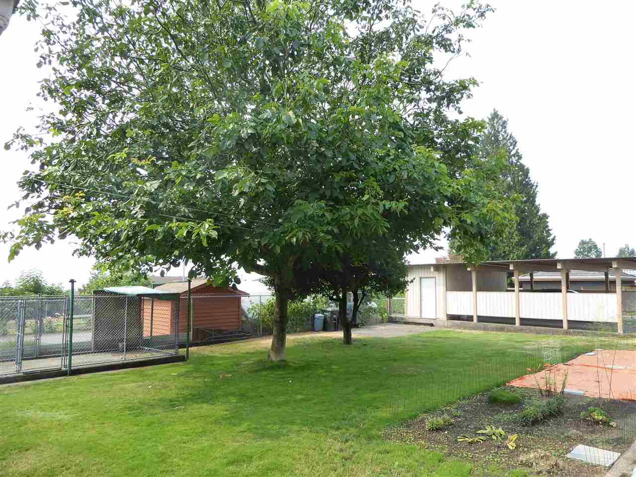 Detached at 7449 GRAY AVENUE, Burnaby South, British Columbia. Image 12