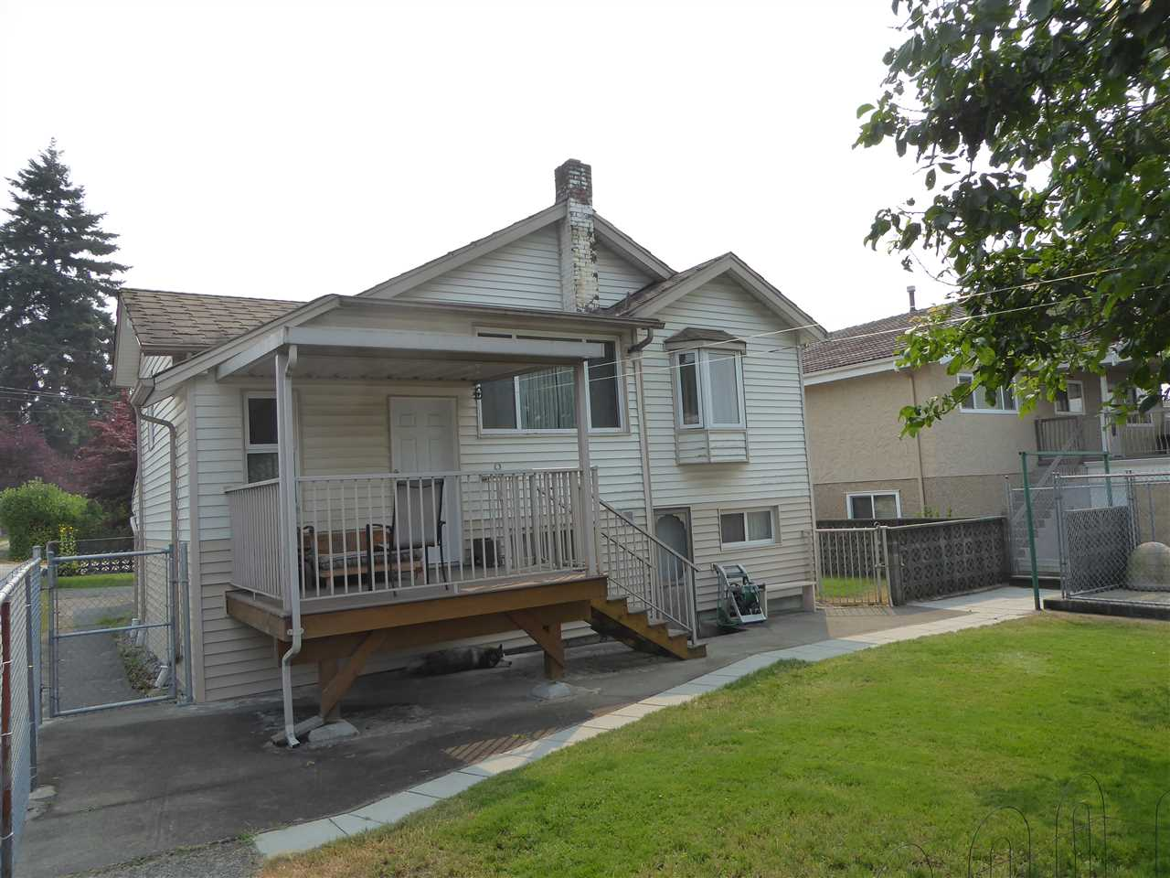 Detached at 7449 GRAY AVENUE, Burnaby South, British Columbia. Image 13