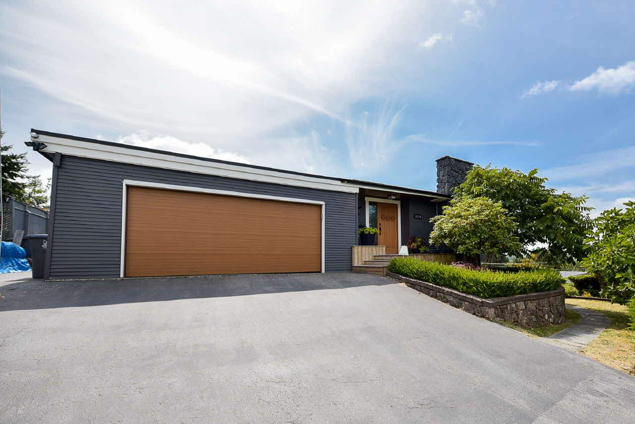 Detached at 18110 59A AVENUE, Cloverdale, British Columbia. Image 1