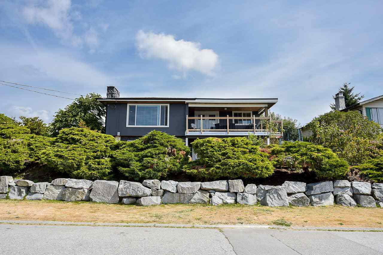 Detached at 18110 59A AVENUE, Cloverdale, British Columbia. Image 2