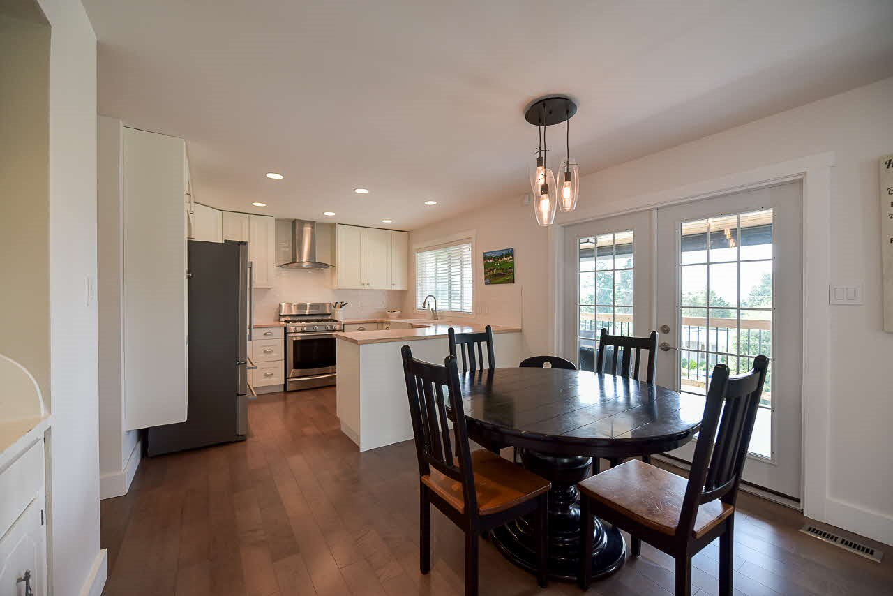 Detached at 18110 59A AVENUE, Cloverdale, British Columbia. Image 5
