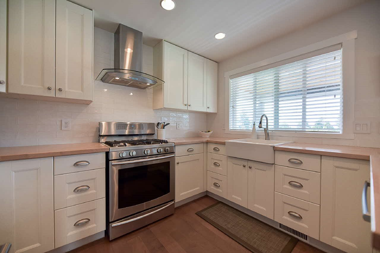Detached at 18110 59A AVENUE, Cloverdale, British Columbia. Image 6