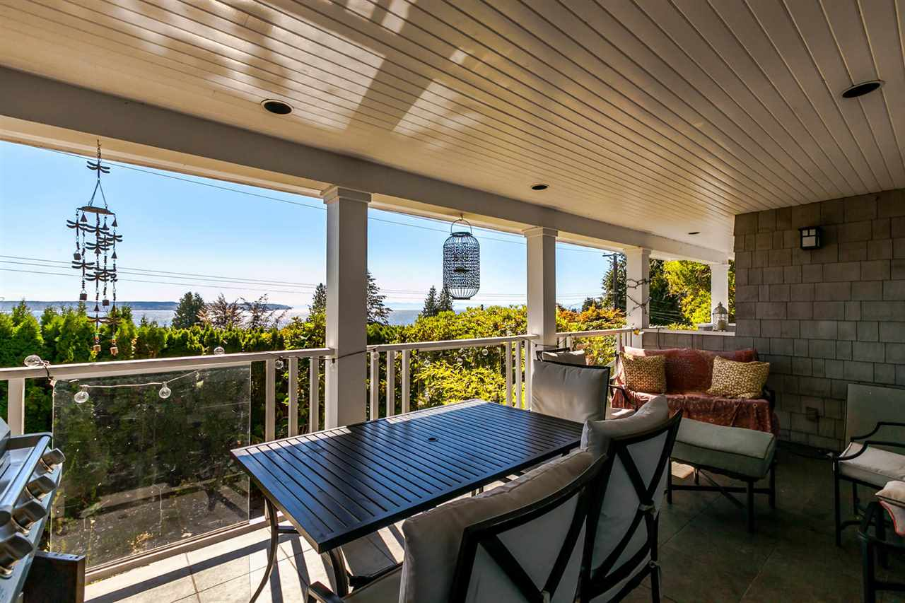 Detached at 2631 MARINE DRIVE, West Vancouver, British Columbia. Image 4