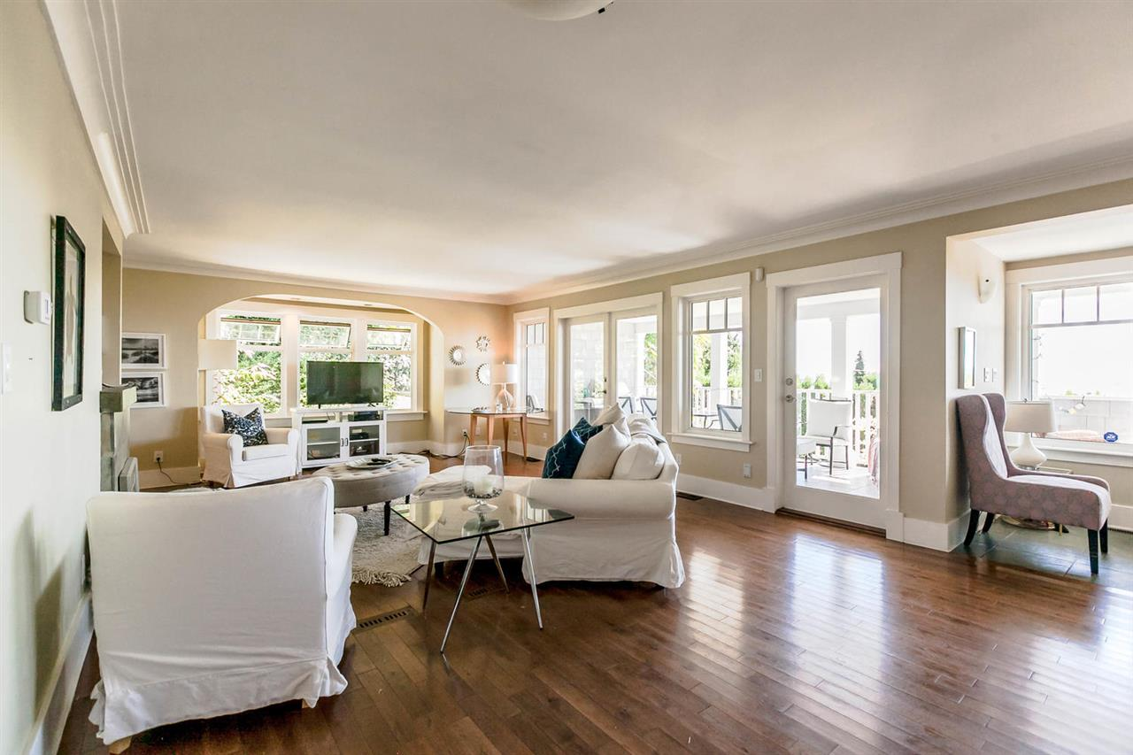 Detached at 2631 MARINE DRIVE, West Vancouver, British Columbia. Image 12