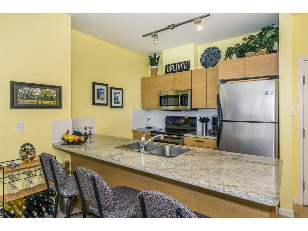 Condo Apartment at 108 18755 68 AVENUE, Unit 108, Cloverdale, British Columbia. Image 3