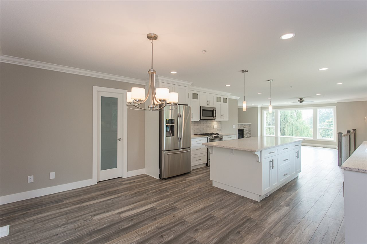 Detached at 29967 SILVERDALE AVENUE, Mission, British Columbia. Image 3