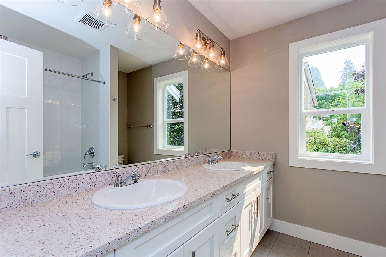 Detached at 29967 SILVERDALE AVENUE, Mission, British Columbia. Image 11